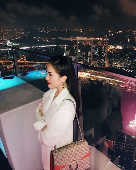 Bao Thy tu thuong chuyen du lich Singapore sau dang quang The Remix - Anh 7
