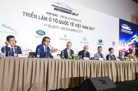 Trien lam o to quoc te Viet Nam 2017: Se quy tu nhieu mau xe dang chu y - Anh 1