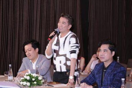 Sau su co bi 'chen ep', Minh Hang lan dau xuat hien tren game show truyen hinh - Anh 2