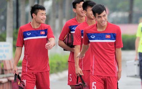 Van Toi chan thuong, HLV Hoang Anh Tuan lai dau dau - Anh 1