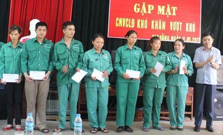 LDLD Cao Bang tang nha 'Mai am cong doan' cho CNLD - Anh 1