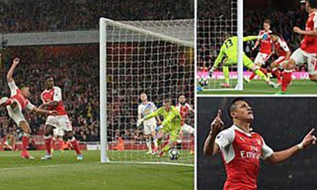 Arsenal thang van trang tay - Anh 1