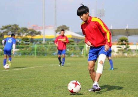 Linh bau Duc dau ve vot o tuyen U-20 Viet Nam - Anh 2