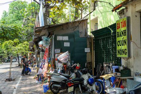Day cua hang sieu nho ton tai 30 nam o Ha Noi - Anh 3
