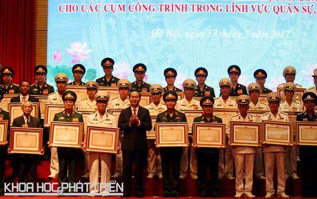 Chu tich Nuoc trao Giai thuong Ho Chi Minh linh vuc quan su, quoc phong - Anh 3