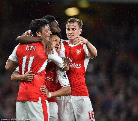 Chum anh: Sanchez ruc sang trong ngay cac CDV doi 'tram' HLV Wenger - Anh 11