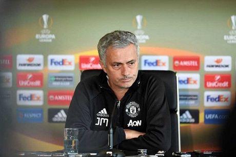 Mourinho: Ajax khong nen co mat o Europa League - Anh 1