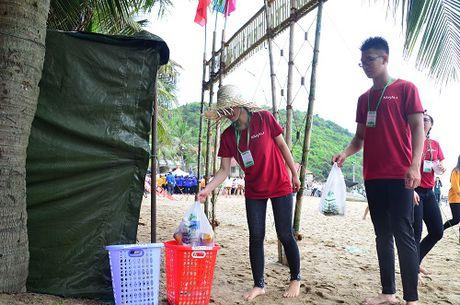 Da Nang: 1.000 sinh vien keu goi khong mang tui ni - long den Son Tra - Anh 4