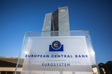 ECB co the can nhac som cham dut chuong trinh kich thich kinh te - Anh 1