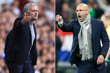 HLV cua Ajax: 'Mourinho hay thoi do loi cho lich thi dau' - Anh 1