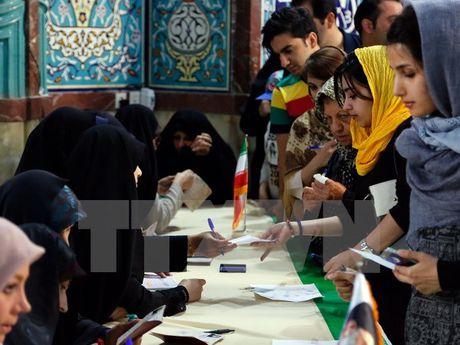 Bau cu tong thong Iran: Hon 40 trieu cu tri tham gia bo phieu - Anh 1