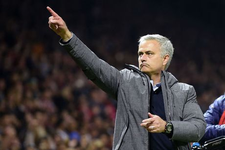 Mourinho tuyen bo MU da co buoc tien de canh tranh chuc vo dich trong mua toi - Anh 1