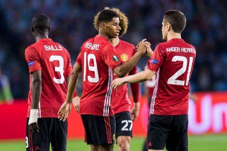 CK Europa League: Mourinho dung doi hinh nao khac che Ajax? - Anh 3