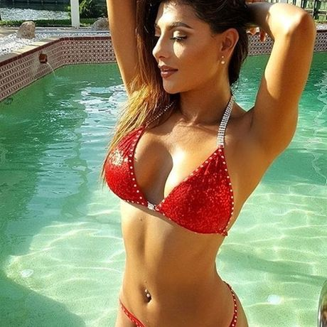Vivi Castrillon - My nhan Colombia day sao Real cach... lam tinh - Anh 7
