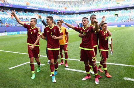 Bung no trong hiep hai, U20 Venezuela 'vo mat' U20 Duc tran mo man - Anh 1