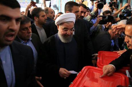 Iran bau tong thong - Anh 1