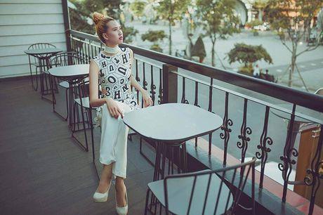 Nguoi mau 'cao nhat Viet Nam' tro lai thi Vietnam's Next Top Model - Anh 6