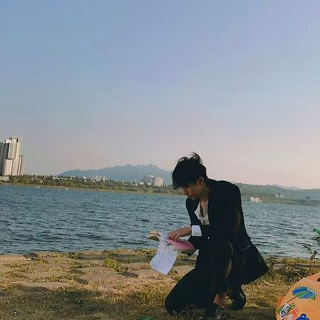 Sao Han 20/5: Momo than thiet voi Hee Chul, Seo Hyun ra ve cool ngau - Anh 3
