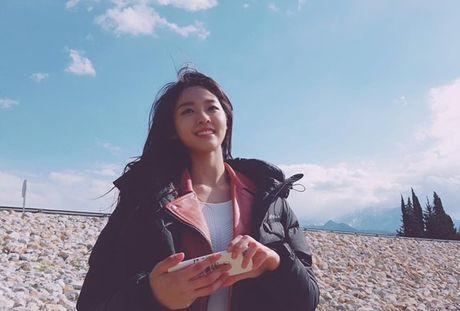 Sao Han 20/5: Momo than thiet voi Hee Chul, Seo Hyun ra ve cool ngau - Anh 6