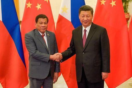 TT Duterte: Chu tich Trung Quoc doa chien tranh neu Manila khoan dau - Anh 1