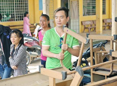 Phuong Thanh, Anh Vu trao qua cho tre em ngheo - Anh 5
