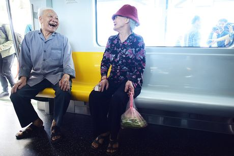 Nguoi Ha Noi di xem doan tau tren cao dau tien o Viet Nam - Anh 7