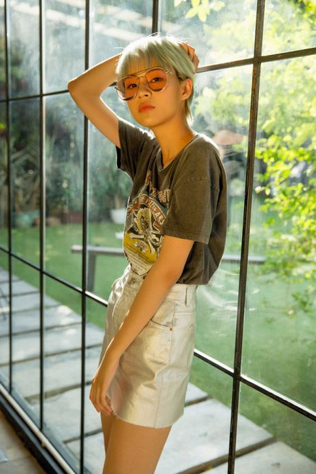 Phi Phuong Anh but pha khi theo duoi phong cach vo cung khac biet - Anh 2