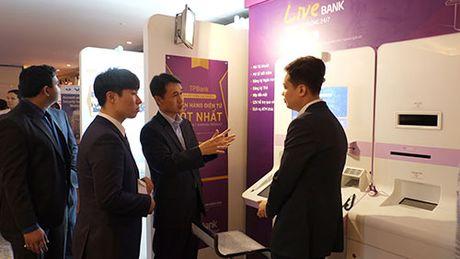 Ngan hang tu dong LiveBank gay an tuong Banking Vietnam 2017 - Anh 2
