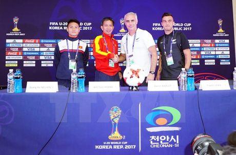 HLV Hoang Anh Tuan: U20 Viet Nam san sang cho tran cau lich su - Anh 2
