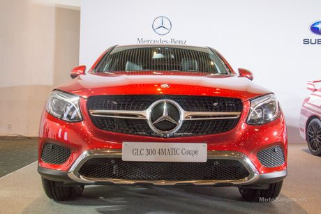 Can canh Mercedes-Benz GLC 300 4MATIC Coupe dau tien tai VN - Anh 1