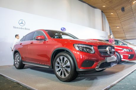 Can canh Mercedes-Benz GLC 300 4MATIC Coupe dau tien tai VN - Anh 5