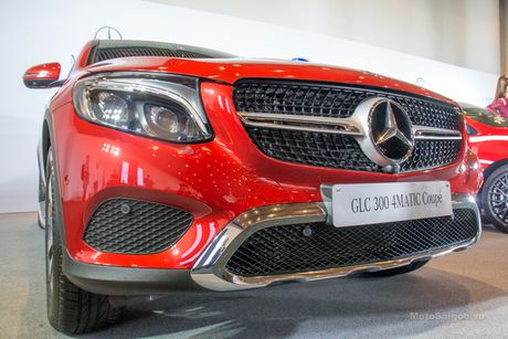 Can canh Mercedes-Benz GLC 300 4MATIC Coupe dau tien tai VN - Anh 7