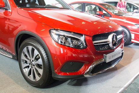 Can canh Mercedes-Benz GLC 300 4MATIC Coupe dau tien tai VN - Anh 9