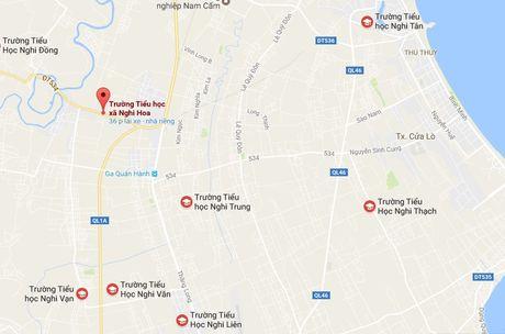 Hoc sinh lop 1 khong lam duoc bai to bi co giao danh - Anh 2