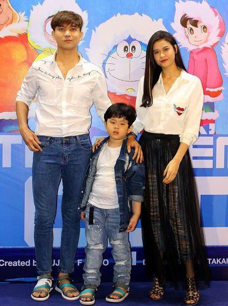 Truong Quynh Anh, Tim dua con trai di xem phim sau khi ly hon - Anh 1