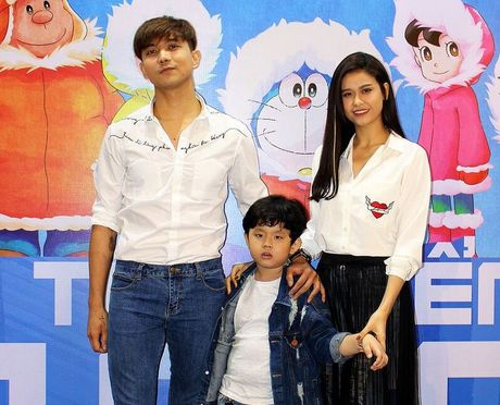 Truong Quynh Anh, Tim dua con trai di xem phim sau khi ly hon - Anh 2