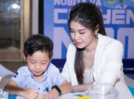 Truong Quynh Anh, Tim dua con trai di xem phim sau khi ly hon - Anh 4