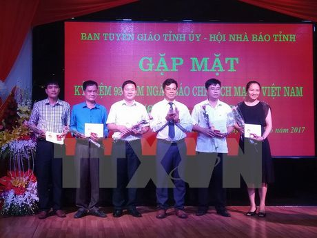 Nhieu hoat dong ky niem nhan Ngay Bao chi cach mang Viet Nam - Anh 1
