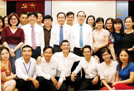 Nhieu hoat dong ky niem Ngay Bao chi cach mang Viet Nam - Anh 1
