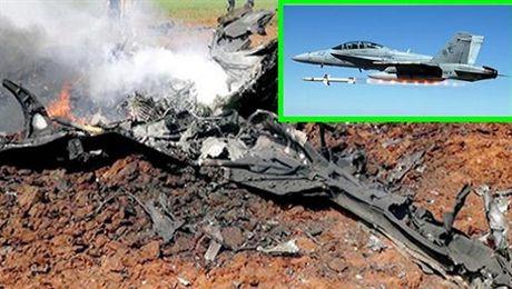 F/A-18 My ban ha Su-22 Syria ngay truoc mat may bay Nga - Anh 1