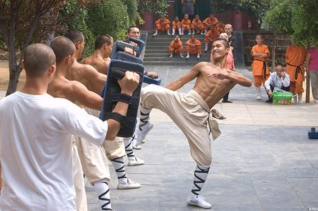 Nhung man luyen cong 'quai di' cua cac vo su Thieu Lam - Anh 2