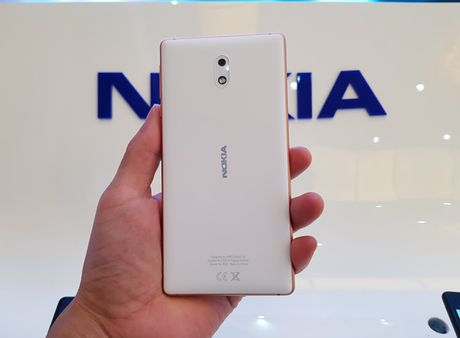 Tren tay Nokia 3 camera truoc sau 8MP, gia 3 trieu dong - Anh 2