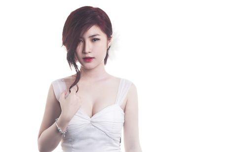 Angela Phuong Trinh, Huong Tram bi nhan tin 'ga tinh' va phan ung dang ne - Anh 12