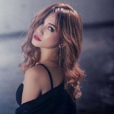 Angela Phuong Trinh, Huong Tram bi nhan tin 'ga tinh' va phan ung dang ne - Anh 13