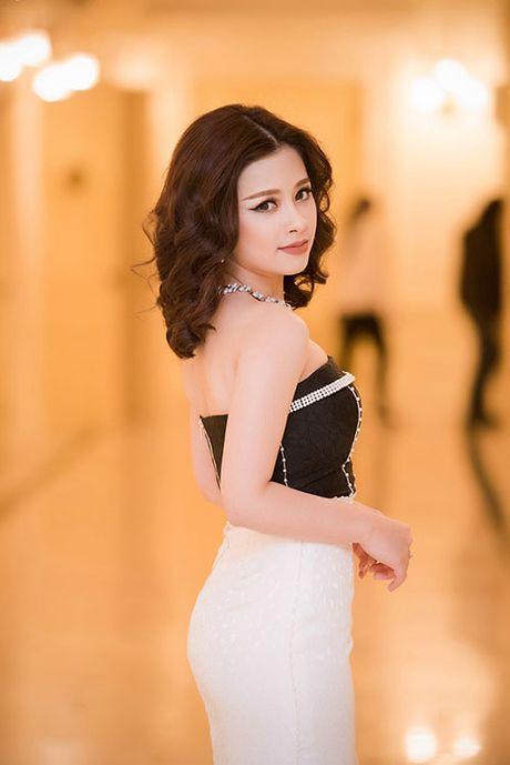Angela Phuong Trinh, Huong Tram bi nhan tin 'ga tinh' va phan ung dang ne - Anh 15