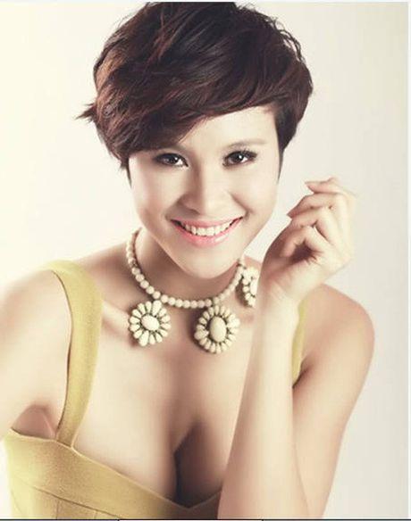 Angela Phuong Trinh, Huong Tram bi nhan tin 'ga tinh' va phan ung dang ne - Anh 17