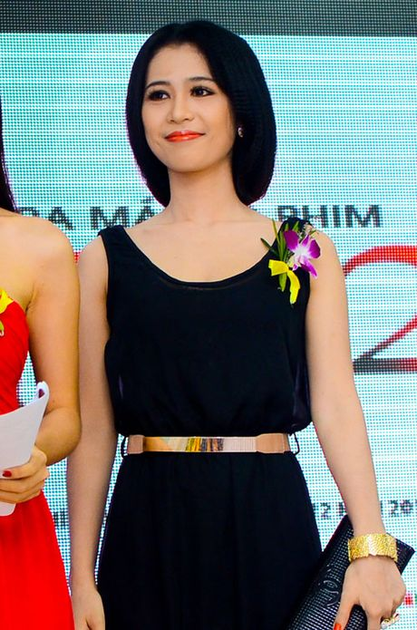 Angela Phuong Trinh, Huong Tram bi nhan tin 'ga tinh' va phan ung dang ne - Anh 20