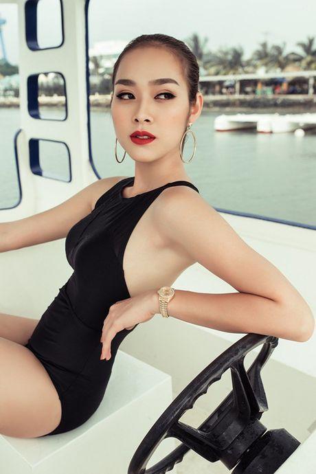 Angela Phuong Trinh, Huong Tram bi nhan tin 'ga tinh' va phan ung dang ne - Anh 2