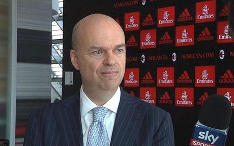 Doi thoai CEO AC Milan: 'Raiola va Donnarumma khien CLB mat trang 100 trieu euro' - Anh 1