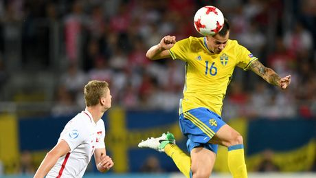 Chum anh: U21 Ba Lan thoat hiem ngoan muc tren cham 11m - Anh 4